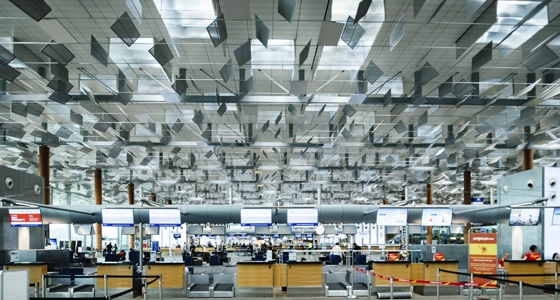 aeropuerto encuesta cargos extra