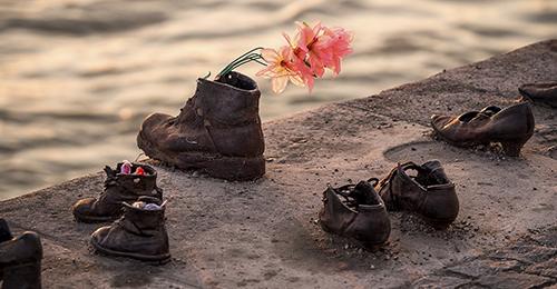 guía de budapest - monumento de los zapatos