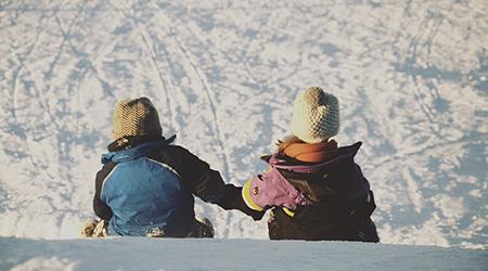 Viajar con niños pequeños: documentación necesaria
