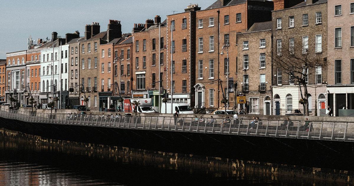 Pasear por el río Liffey, Dublín