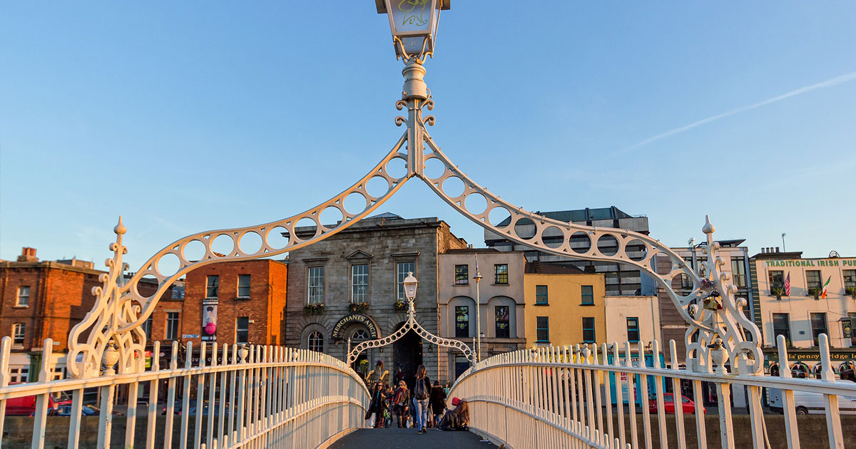 Ha'Penny Bridge, Dublín.