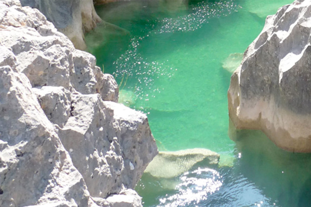 El agua ha creado verdaderas esculturas rocosas en Guara