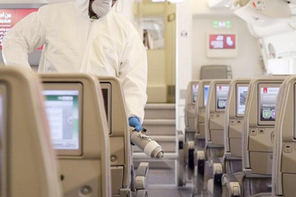 Las labores de limpieza y desinfección han de extremarse entre vuelos (Asociación del Personal Técnico Aeronáutico de la República de Argentina)