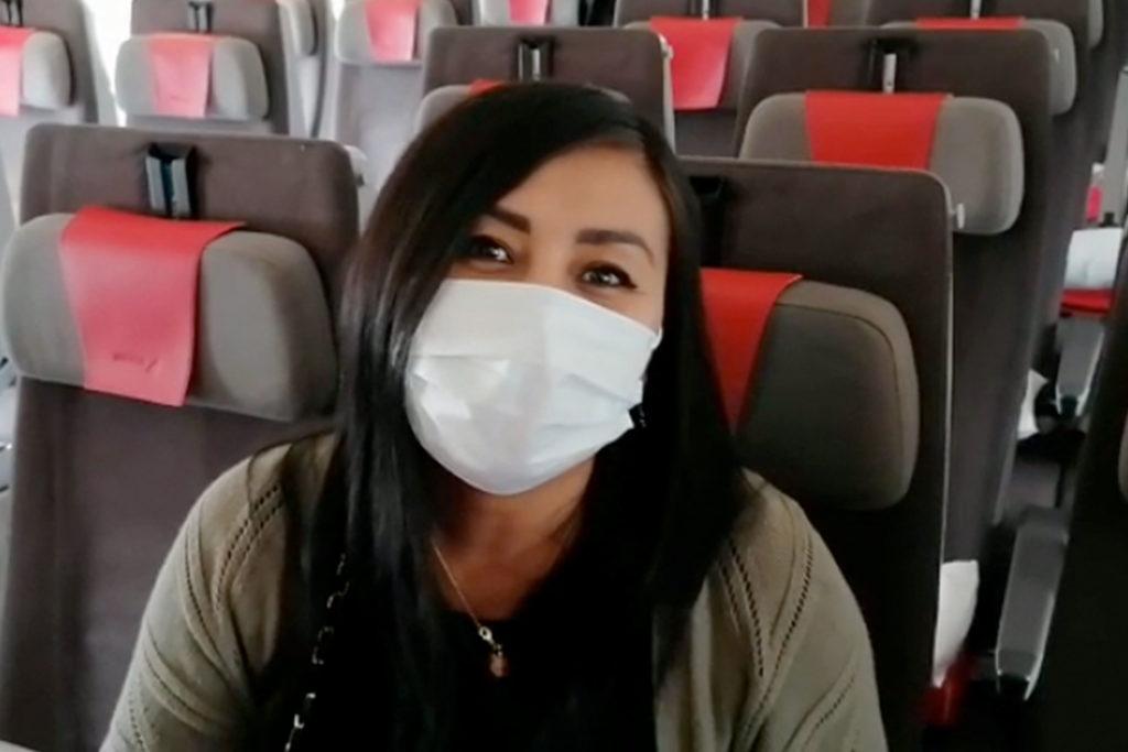 Debes llevar la mascarilla puesta en todo momento para viajar con seguridad (grupo.iberia.com)